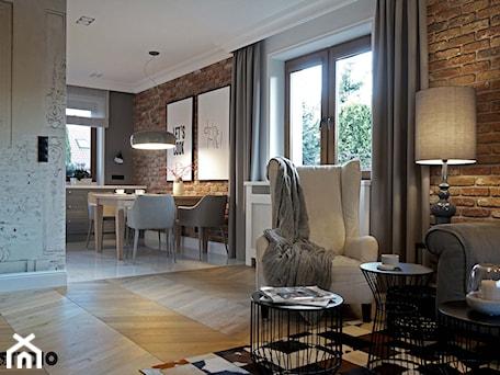 Aranżacje wnętrz - Salon: dom zaprojektowany przytulnie - MIKOŁAJSKAstudio. Przeglądaj, dodawaj i zapisuj najlepsze zdjęcia, pomysły i inspiracje designerskie. W bazie mamy już prawie milion fotografii!