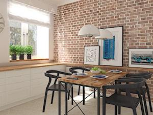 Mieszkanie w budynku z lat 40-tych - Średnia otwarta biała czerwona jadalnia w kuchni, styl vintage - zdjęcie od MIKOŁAJSKAstudio