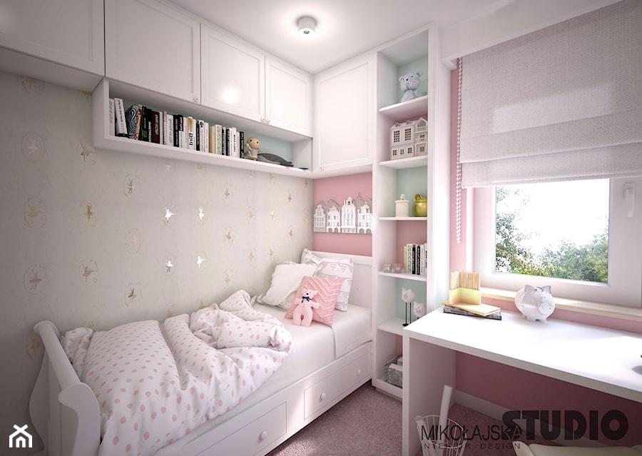 Aranżacje wnętrz - Pokój dziecka: sypialnia dla dziewczynki - MIKOŁAJSKAstudio. Przeglądaj, dodawaj i zapisuj najlepsze zdjęcia, pomysły i inspiracje designerskie. W bazie mamy już prawie milion fotografii!