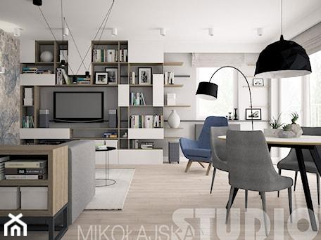 Aranżacje wnętrz - Salon: współczesne proste formy we wnętrzu - MIKOŁAJSKAstudio. Przeglądaj, dodawaj i zapisuj najlepsze zdjęcia, pomysły i inspiracje designerskie. W bazie mamy już prawie milion fotografii!