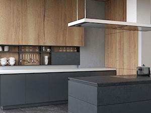 czy zabudowa kuchni jest z forniru / drewna czy płyty? pozdrawiam