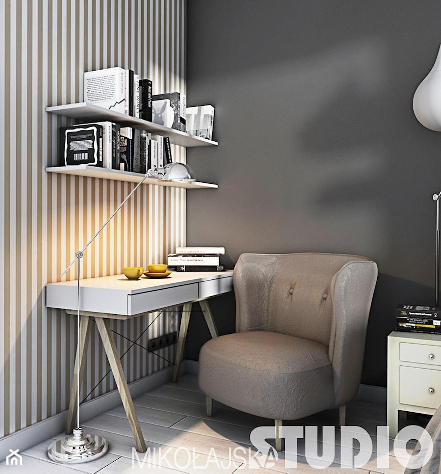 Aranżacje wnętrz - Biuro: przytulny kąt do pracy - MIKOŁAJSKAstudio. Przeglądaj, dodawaj i zapisuj najlepsze zdjęcia, pomysły i inspiracje designerskie. W bazie mamy już prawie milion fotografii!