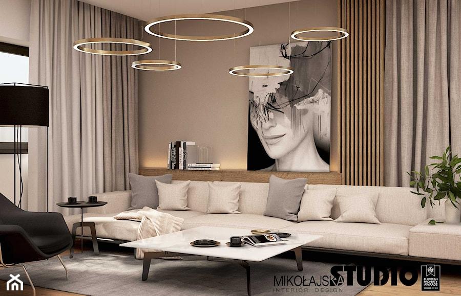 Elegancki salon w beżach i brązach - zdjęcie od MIKOŁAJSKAstudio
