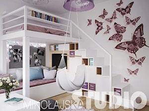 Pokój dla dziewczynki z antresolą - zdjęcie od MIKOŁAJSKAstudio