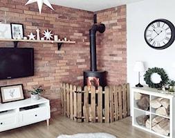 Zimowe aranżacje - Mały szary salon, styl eklektyczny - zdjęcie od O-Caroline Blog