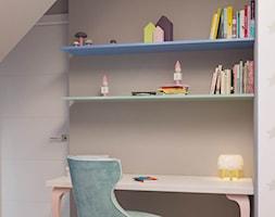 Mieszkanie na poddaszu w Olkusz - Mały szary pokój dziecka dla chłopca dla dziewczynki dla ucznia dla malucha dla nastolatka, styl eklektyczny - zdjęcie od Dom-Art