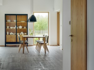 DOM TUŻ ZA MIASTEM - Średnia otwarta biała szara jadalnia jako osobne pomieszczenie, styl nowoczesny - zdjęcie od LOFT Magdalena Adamus