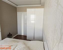 Szafa w sypialni - zdjęcie od Drewland Pracownia Mebli