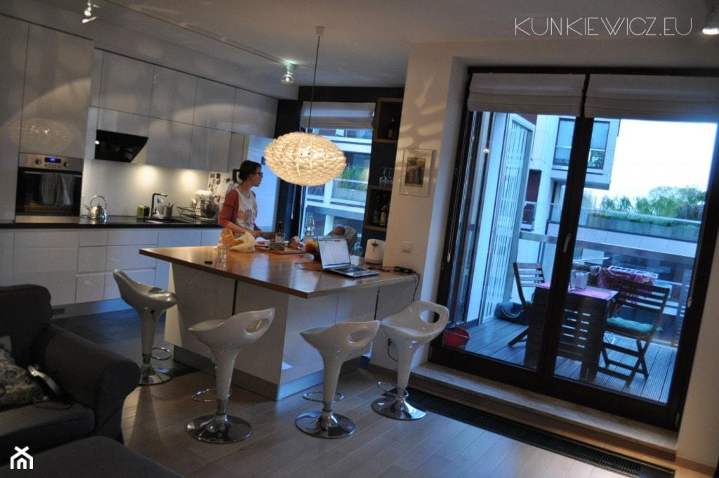Apartament na Powiślu - Warszawa - Kuchnia - zdjęcie od Kunkiewicz Architekci - Homebook