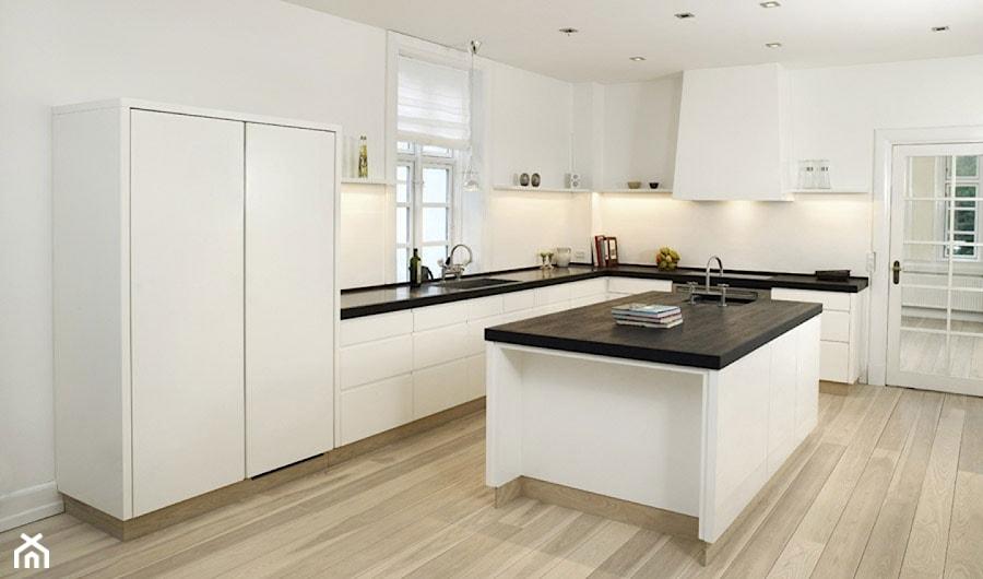 Duża otwarta kuchnia w kształcie litery l z wyspą, styl nowoczesny  zdjęcie