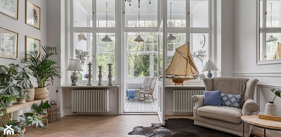 100-letnie mieszkanie zamienili w nowoczesne studio. 40 m² we Wrocławiu [PRZED I PO]
