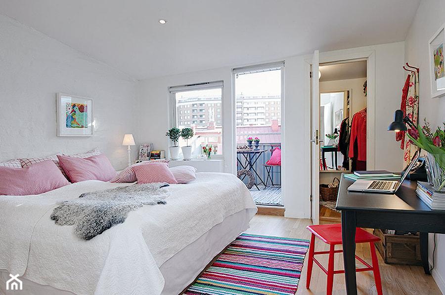 Duża sypialnia małżeńska z garderobą z balkonem / tarasem ...