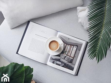 Aranżacje wnętrz - Salon: Homebook Design vol. 4 - Salon, styl nowoczesny - Homebook.pl. Przeglądaj, dodawaj i zapisuj najlepsze zdjęcia, pomysły i inspiracje designerskie. W bazie mamy już prawie milion fotografii!