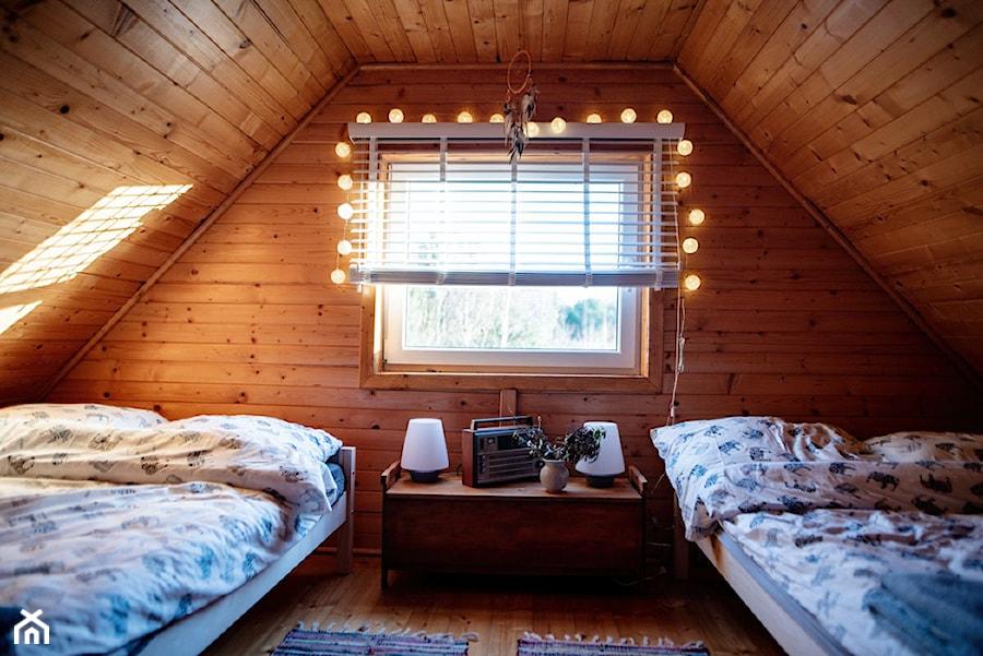 Sosnowy Domek Z Kominkiem Sypialnia Zdjęcie Od Homebook