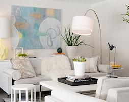 Mały biały salon, styl art deco - zdjęcie od Homebook.pl