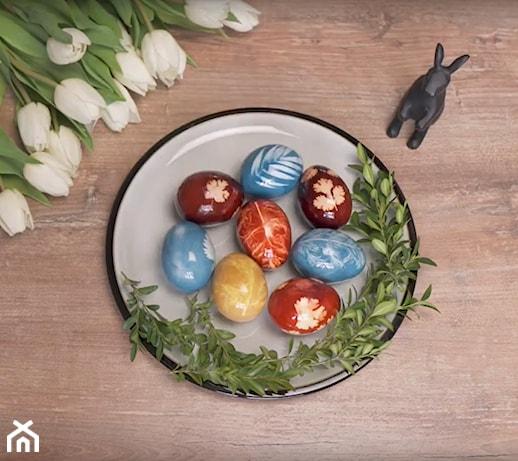 Jak farbować jajka? 3 sposoby na naturalne farbowanie jajek [VIDEO]