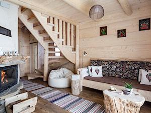 Chata przy Dolinie (Zakohome) - Średni biały beżowy salon, styl eklektyczny - zdjęcie od Homebook.pl