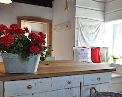 Poduszki dekoracyjne, poduszki z napisami, - zdjęcie od Lenart View