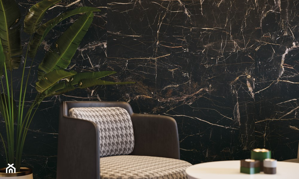płytki imitujące czarny marmur na ścianę