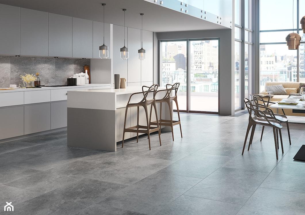 płytki inspirowane betonem na podłodze w kuchni