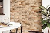 beżowa stara cegła na ścianie w kuchni