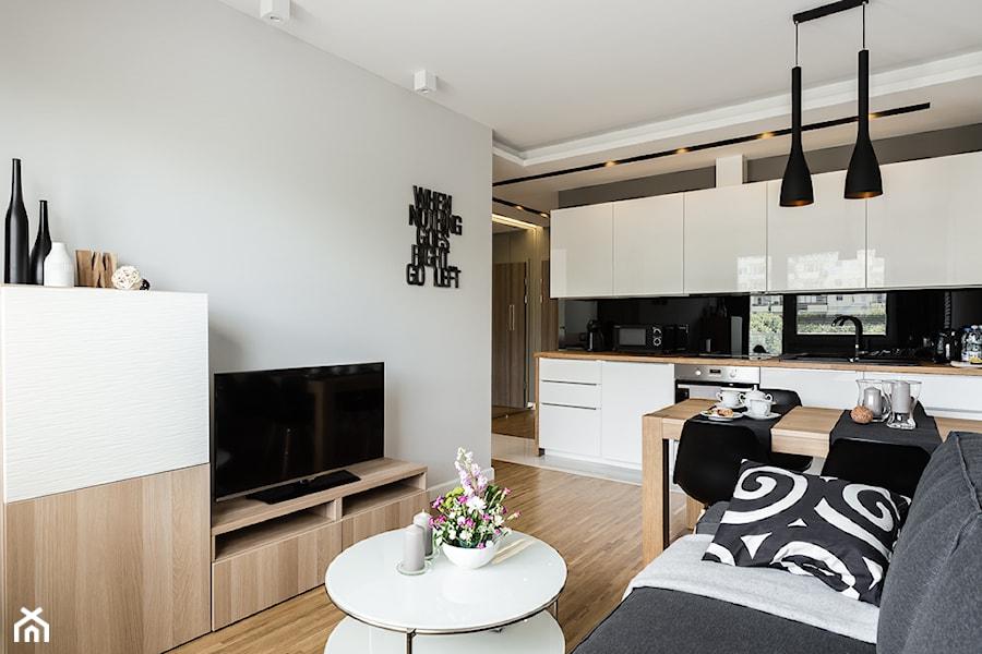 Apartament skandynawski - Aviator - Gdańsk - Średni salon z kuchnią, styl nowoczesny - zdjęcie ...