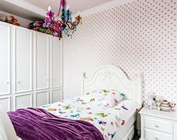 Dom - Gdańsk Oliwa - Mały biały szary pokój dziecka dla dziewczynki dla nastolatka, styl klasyczny - zdjęcie od Anna Serafin Architektura Wnętrz