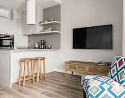 Apartament YACHT PARK 2- Gdynia - Kuchnia, styl klasyczny - zdjęcie od Anna Serafin Architektura Wnętrz - Homebook