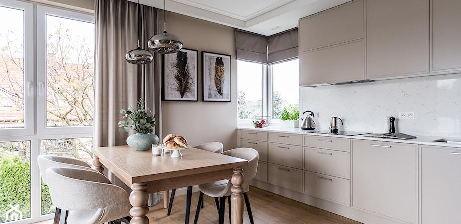 Drewniana podłoga w kuchni – czy warto się na nią zdecydować?