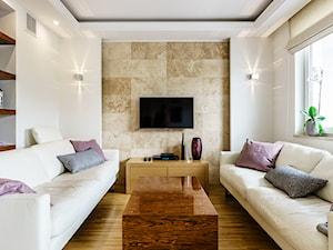 Mały biały beżowy salon, styl glamour - zdjęcie od Anna Serafin Architektura Wnętrz