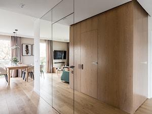Apartament - Gdynia Kosakowo - Średni biały hol / przedpokój - zdjęcie od Anna Serafin Architektura Wnętrz