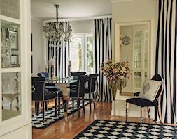 Jadalnia - Średnia otwarta beżowa jadalnia w salonie, styl glamour - zdjęcie od VAVASIS - Homebook
