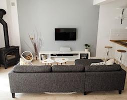 REALIZACJA   spokój pod miastem - Mały średni szary biały salon z kuchnią, styl skandynawski - zdjęcie od Studio Malina – Architekci & Projektanci wnętrz