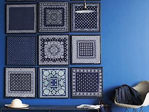 Kolor i deseń: Kolor miesiąca - niebieski - Mały niebieski hol / przedpokój, styl vintage - zdjęcie od Small world of design