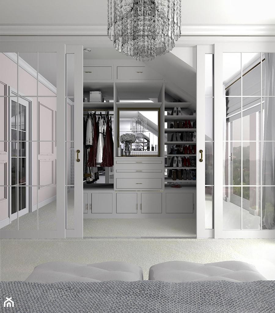 Aranżacje wnętrz - Garderoba: Biała garderoba na poddaszu - gabriella-bober. Przeglądaj, dodawaj i zapisuj najlepsze zdjęcia, pomysły i inspiracje designerskie. W bazie mamy już prawie milion fotografii!