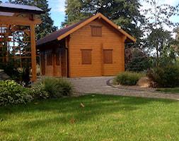 Przy rzece.Lubuskie.PL - Duży ogród za domem z pergolą - zdjęcie od addGreen Architektura Krajobrazu