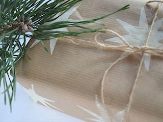 Jak efektownie ozdobić papier do pakowania prezentów?