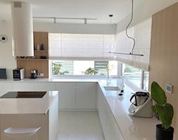 Kuchnia w bieli - zdjęcie od Dekoria.pl - Homebook