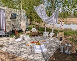 Salon na powietrzu w stylu Boho - zdjęcie od Dekoria.pl - Homebook