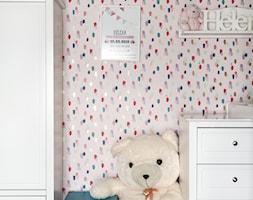 DOM NY konkurs - Mały różowy pokój dziecka dla chłopca dla dziewczynki dla malucha, styl klasyczny - zdjęcie od Republika Architektury