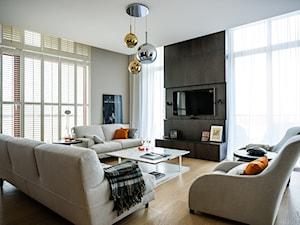 Pomysł na telewizor w salonie - szafki, stoliki pod telewizor