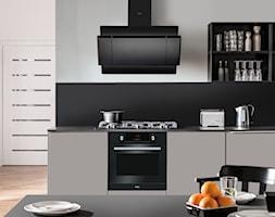 Kuchnia - Średnia otwarta biała szara czarna kuchnia jednorzędowa, styl nowoczesny - zdjęcie od Amica - Homebook