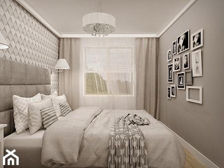 MIESZKANIE W ŁOMIANKACH - Mała szara sypialnia małżeńska, styl nowoczesny - zdjęcie od MKdesigner