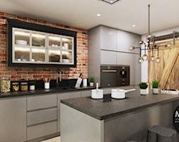 Kuchnia z zastosowaniem cegły - zdjęcie od MONOstudio
