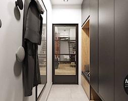 Przedpokój w stylu industrialnym - zdjęcie od MONOstudio - Homebook