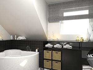 Łazienka w zestawieniu czerni i bieli - zdjęcie od MONOstudio