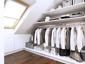 Garderoba na poddaszu - zdjęcie od MONOstudio
