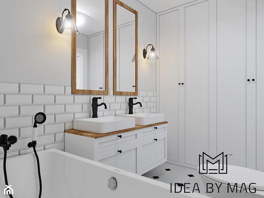 Prowansalskie marzenie - Mała biała łazienka w bloku w domu jednorodzinnym bez okna, styl prowansalski - zdjęcie od Idea by Mag.