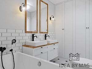 Klatka. - Średnia biała łazienka w bloku w domu jednorodzinnym bez okna, styl prowansalski - zdjęcie od Idea by Mag.