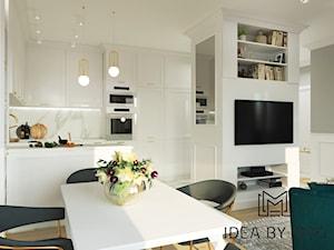 Marmur z dodatkiem koloru, połączenie idealne - Jadalnia, styl klasyczny - zdjęcie od Idea by Mag.